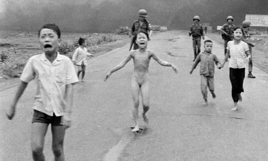John Morris insisted on using this now famous 1972 picture of a naked nine-year-old Vietnamese girl fleeing the US napalm attack that had burned off her clothes.