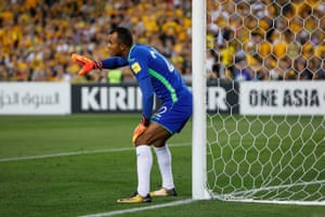 Eight minutes into the second half, Honduras' goalkeeper Donis Escober tries to line-up a wall for a free-kick.