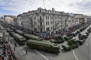 Missile systems are paraded in Vladivostok