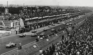 The Stirling Moss-Peter Collins Aston Martin DB3S in second position, at the start of the 1956 Le Mans 24-hour race.
