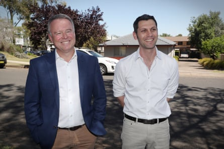Labor's Joel Fitzgibbon with their candidate for New England, David Ewings