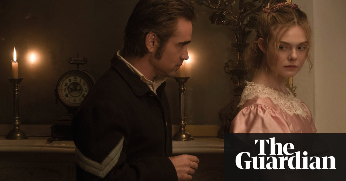 Elle Fanning As Alicia With Colin Farrell John McBurney In The Beguiled