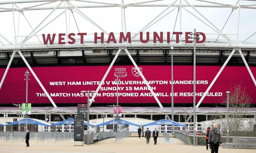 West Ham will continue to pay non-playing staff in full.