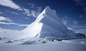 Iceberg, Baffin Island, CanadaGettyImages-200249843-001