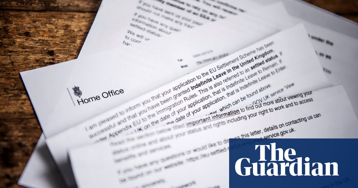 EU citizens in UK face 28-day notice if they miss settled status deadline