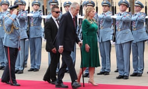 Slovak president Zuzana Čaputová and Czech president Miloš Zeman inspect a guard of honour at Prague Castle.