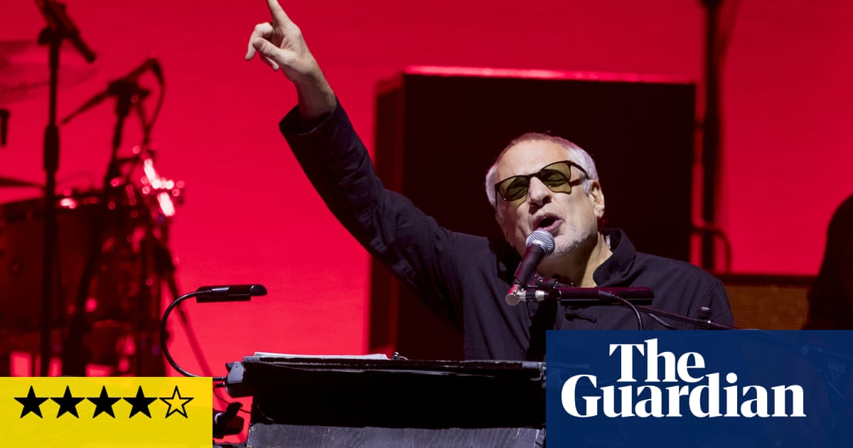 Donald Fagen Tour 2020 Steely Dan review – yacht rockers breezily reel in the years