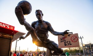 Arsenal fans are expected to protest outside the Emirates Stadium before the Premier League match against Everton on Friday evening.