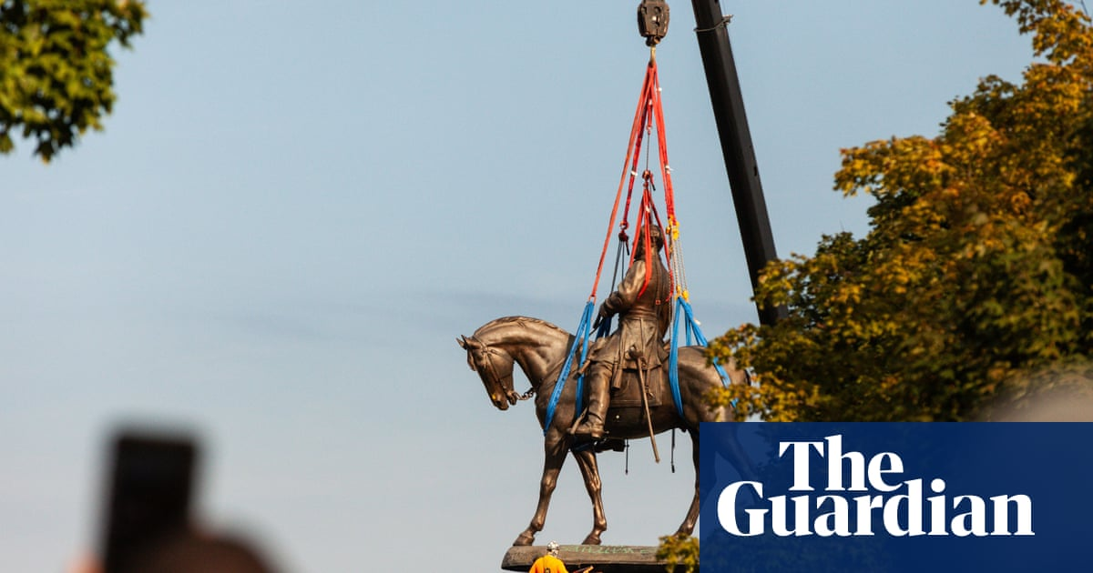 Virginia takes down Robert E Lee statue from state capital Richmond