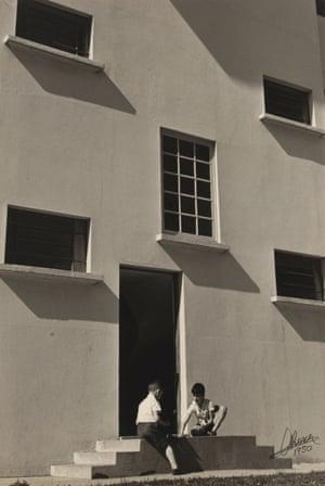 Apartments (Apartamentos). 1950–51