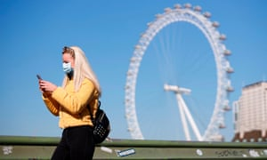 The UK's tourist attractions are under threat from the loss of overseas visitors, a travel trade body said.