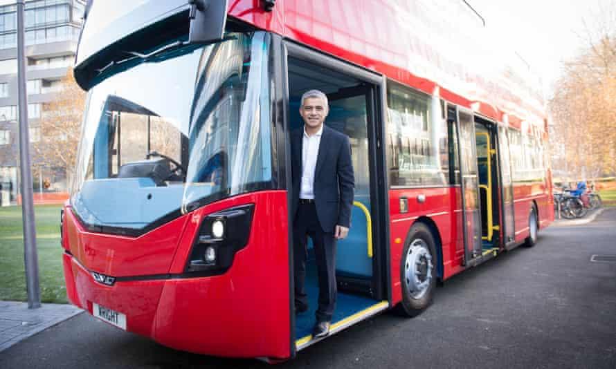 London mayor Sadiq Khan unveiling the world's first hydrogen double-decker bus