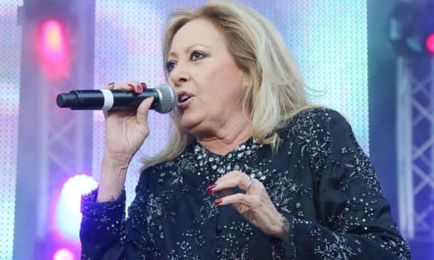 María Mendiola singing in 2015.