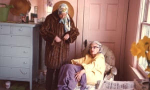 Edith 'Big Edie' Ewing Bouvier Beale (older) and Edith 'Little Edie' Bouvier Beale during the filming of Grey Gardens.