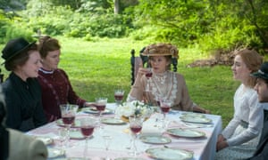 Elisabeth Moss, Mare Winningham, Annette Bening and Saoirse Ronan in The Seagull.