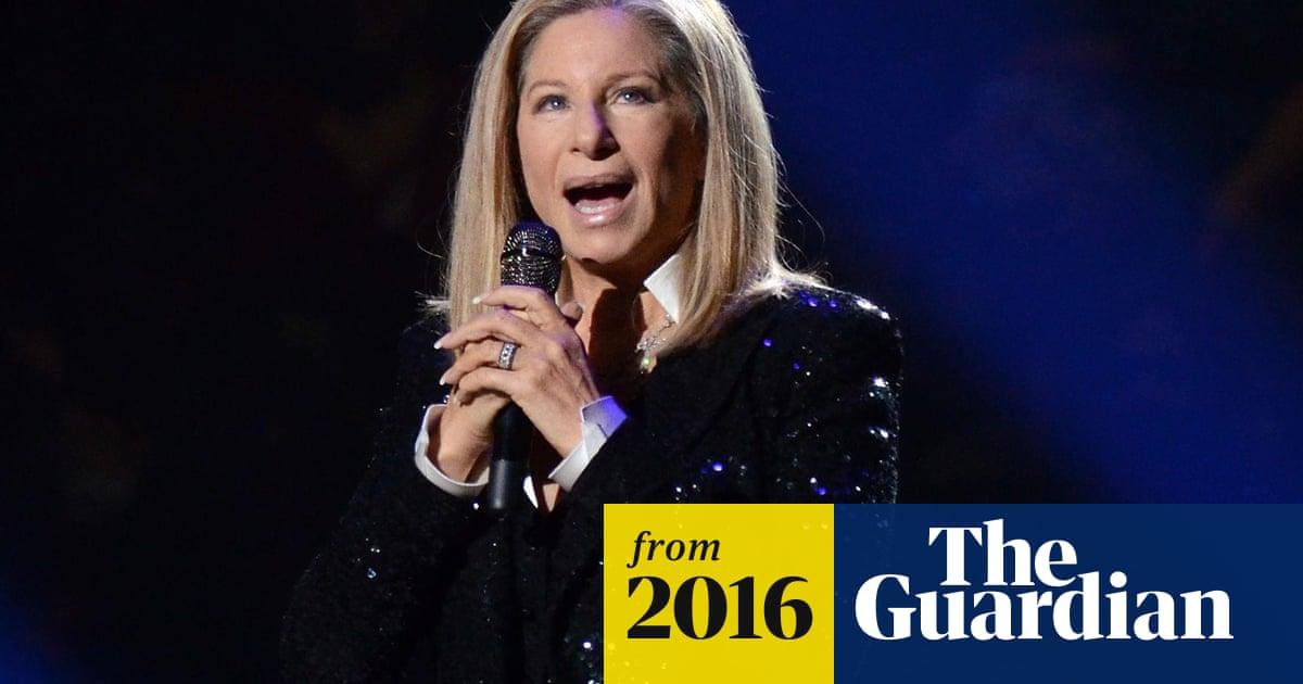 Barbra Streisand calls Tim Cook to fix Siri's