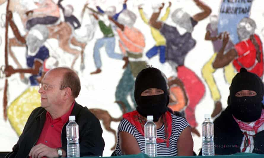 Manuel Vázquez Montalbán at a 2001 meeting in Mexico City with Zapatistas.