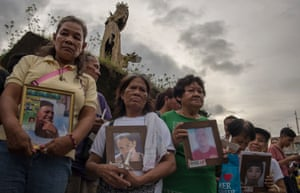 Manila protesters march against the drug killings.