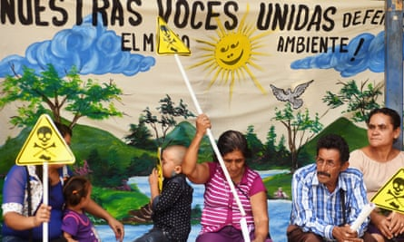 Salvadorans protesting against mining outside the Legislative Assembly in San Salvador on 29 March.