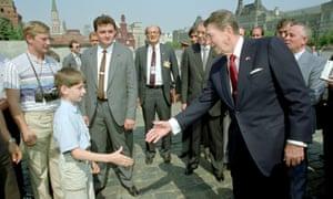 Reagan tours Red Square