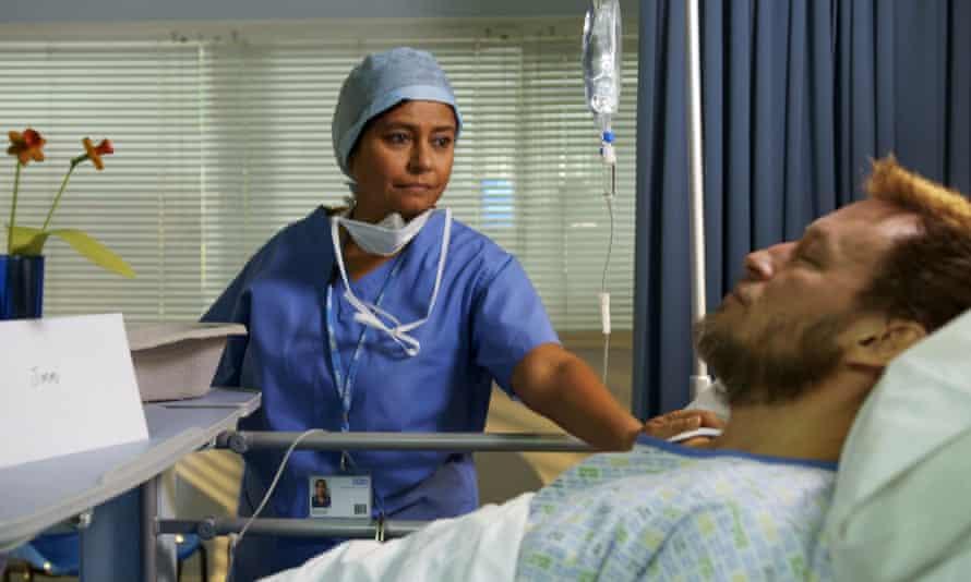 Ruhma Carter (Bharti Patel) and Jimmi Clay (Adrian Lewis Morgan) in Doctors