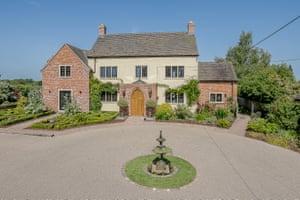 Fantasy : Aircon : Chesterton, Warwickshire