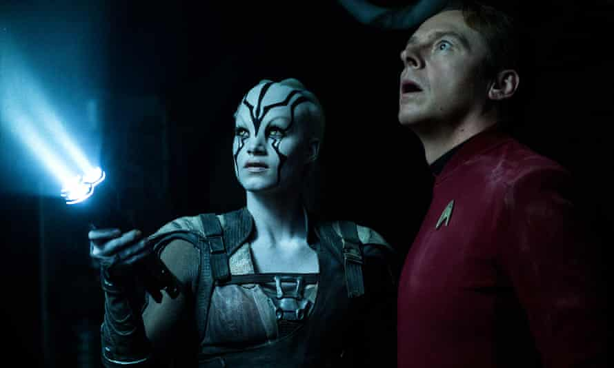 Simon Pegg as Scotty and Sofia Boutella as Jaylah in Star Trek Beyond.