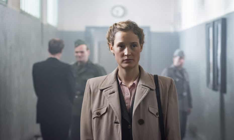 Vicky Krieps as Simone Strasser in Das Boot