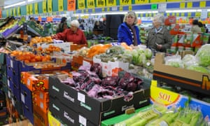 Lidl makes 'fruit and veg pledge' to back British farmers