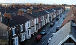 Around 370,000 low-income households renting privately in Britain, including more than 100,000 families with children