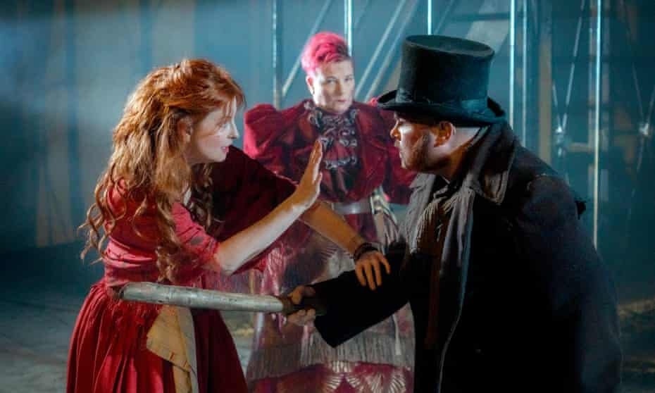 Clare-Louise English (Nancy), Caroline Parker (Fagin) and Stephen Collins (Bill Sikes) in Oliver Twist.
