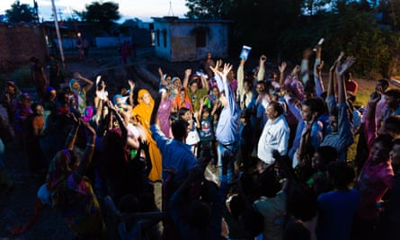 A CLTS triggering meeting in action in a slum in Bhopal, the capital of Madhya Pradesh.