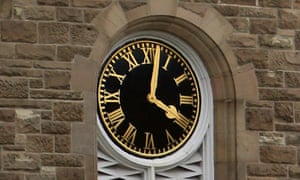 The clock at Stormont Castle shows 4pm.