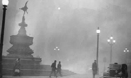 Fog-shrouded London in murder mystery Breathe
