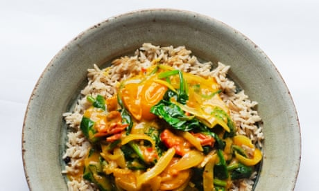 Spinach, coconut, tomato and brown rice