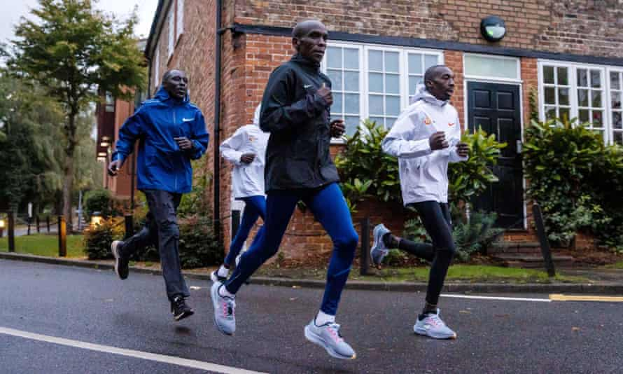 Eliud Kipchoge's anticipated showdown with Kenenisa Bekele has been scuppered after Bekele withdrew with a calf injury.