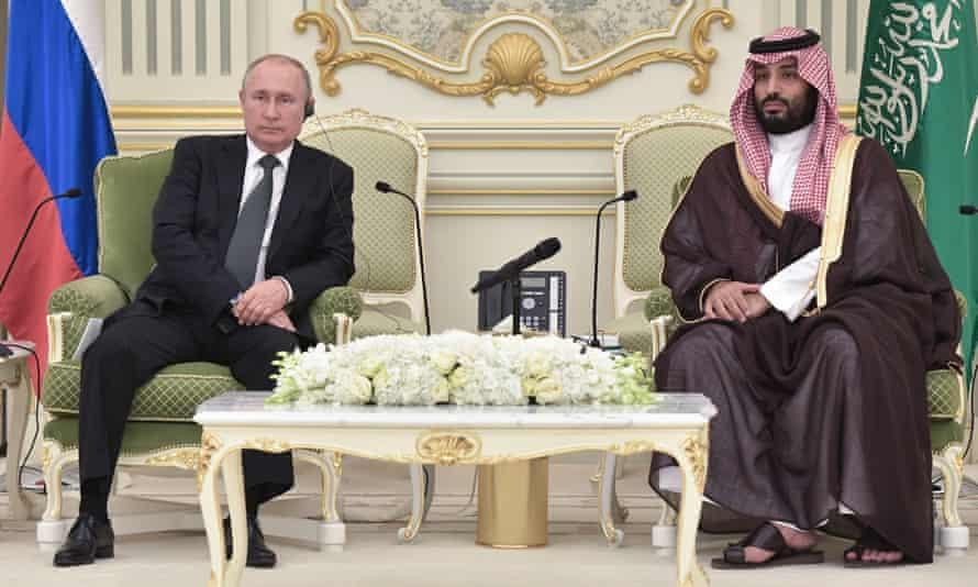 Russia's president, Vladimir Putin (left), and Crown Prince Mohammed bin Salman of Saudi Arabia in Riyadh
