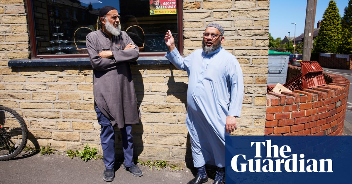 'He's never spoken up about Muslims': Keir Starmer leaves Batley voters disaffected