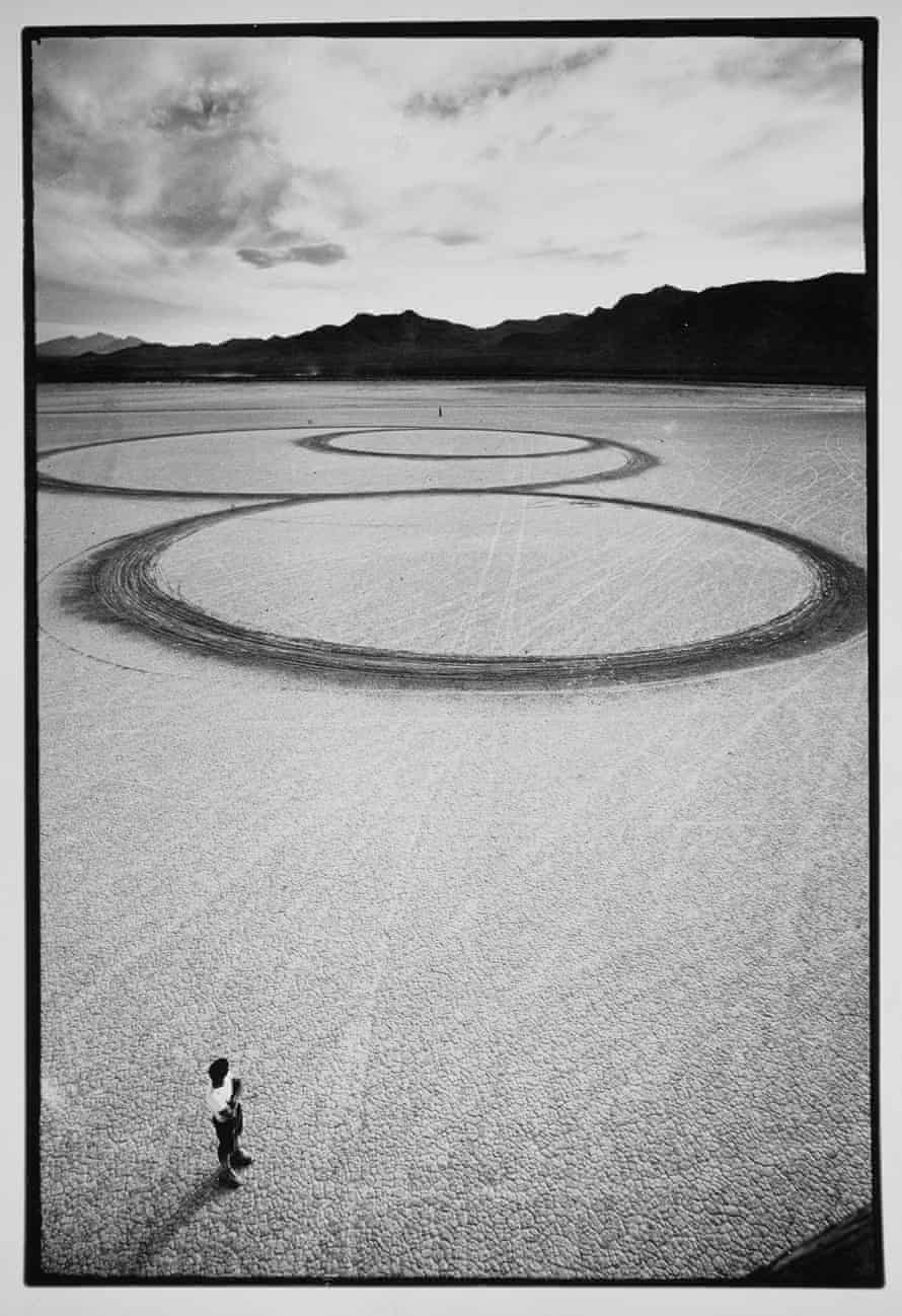 Michael Heizer's Circular Surface, Planar DIsplacement Drawing in El Mirage Dry Lake.