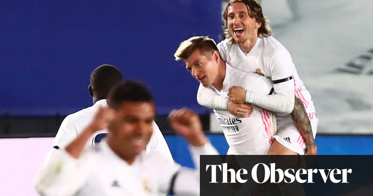 Kroos' double deflection deflates Barça, decides clásico and sends Real top