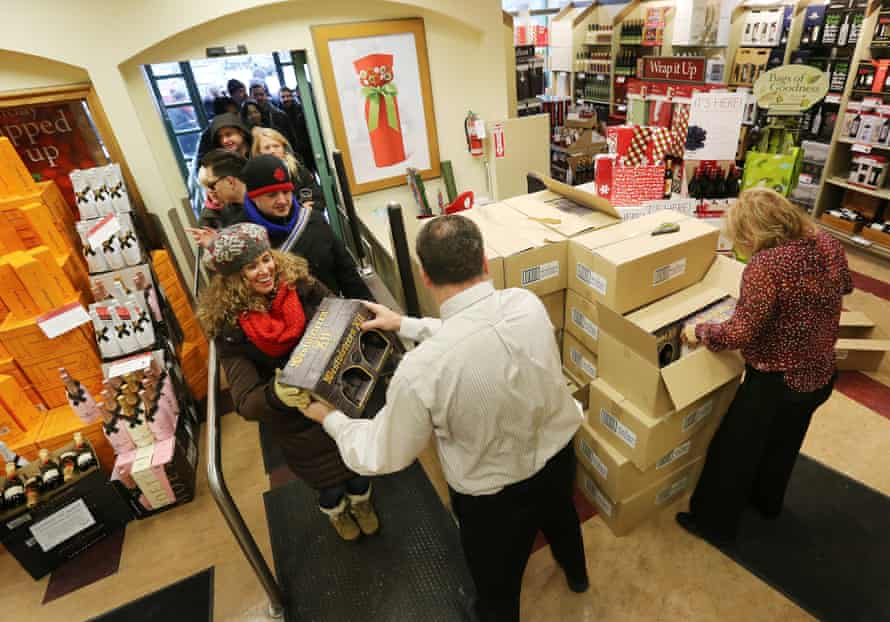 Customers line up to purchase bottles of Westvleteren