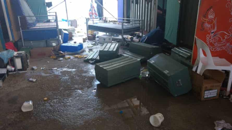 The belongings of the refugees and asylum seekers in the Manus Island detention centre are messed up by PNG police.