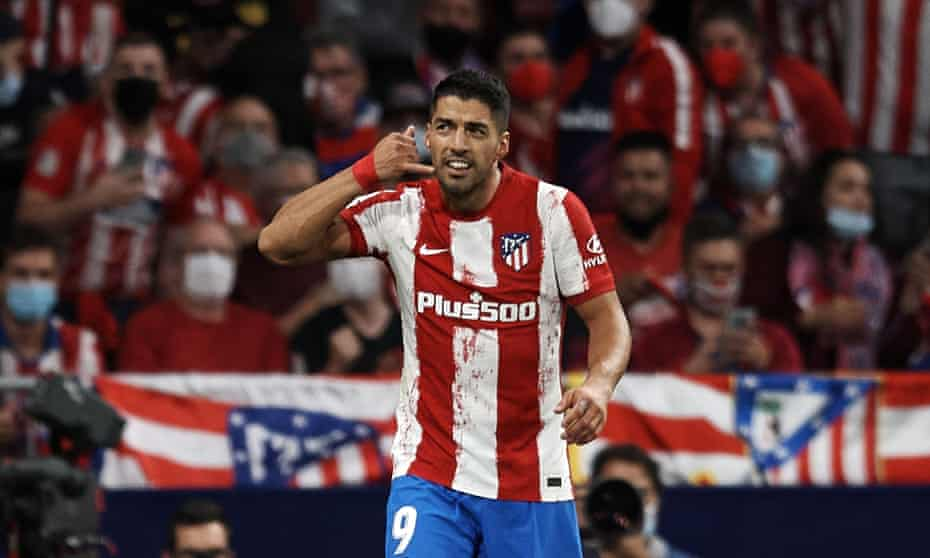 Luis Suárez makes a telephone gesture after scoring against Barcelona. Ronald Koeman reportedly told Suárez he was leaving Barcelona in a brief phone call.