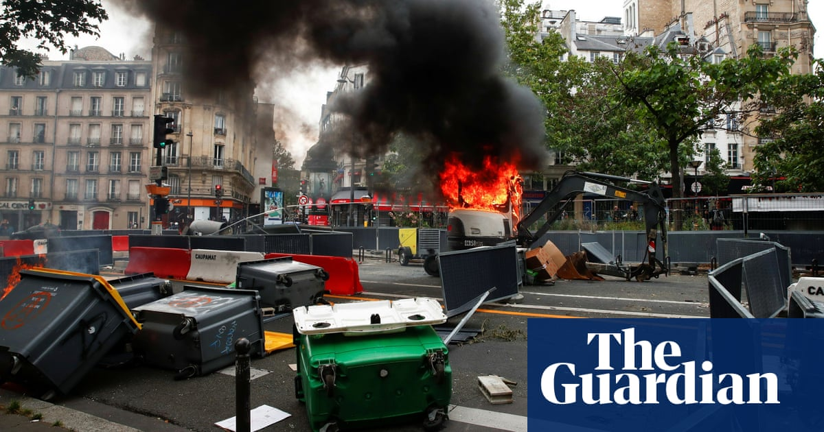 France protests: Bastille Day clashes with police amid anger at tighter Covid rules – video