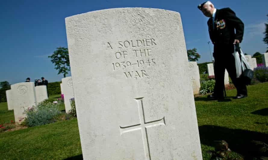 A gravestone commemorating a soldier of the second world war in Bayeux, France