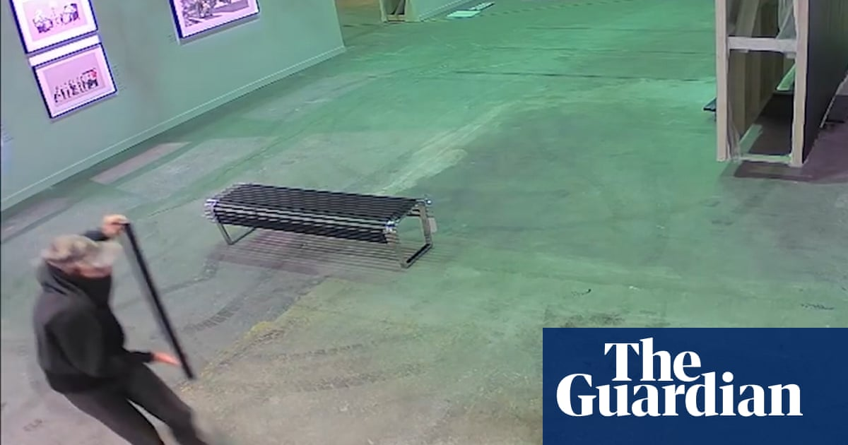 This Is The Moment A Banksy Print Is Stolen From A Toronto Exhibition Video Art And Design The Guardian