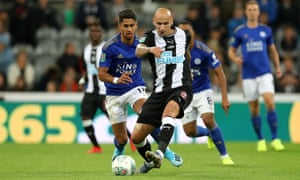 Jonjo Shelvey in action for Newcastle against Leicester in the Carabao Cup defeat on Wednesday.