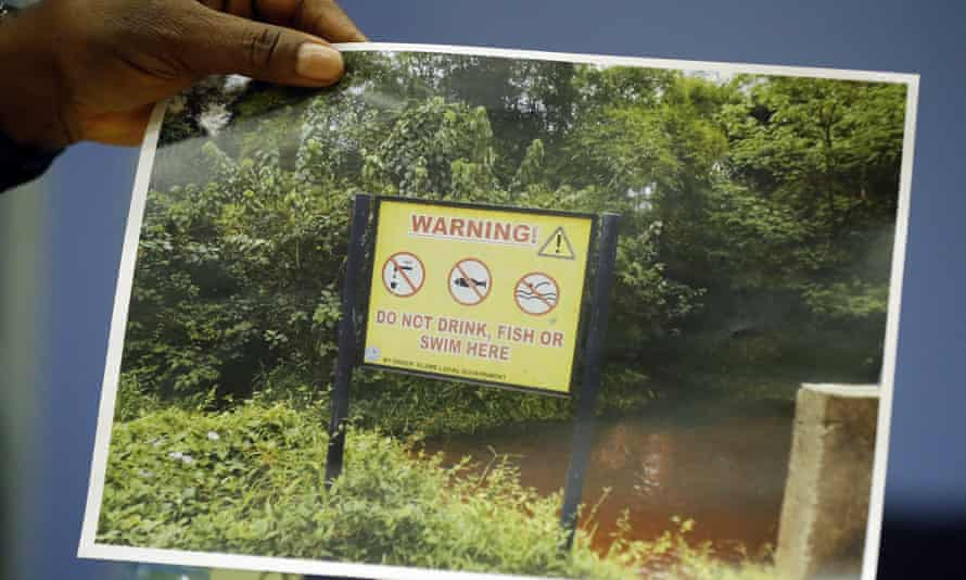 Pollution warning sign
