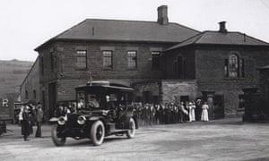King George V in a car on a royal visit at Elsecar in 1912.