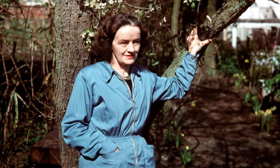 English sculptor Barbara Hepworth, photographed in St Ives, Cornwall, England, May 1957. (Photo by Paul Popper/Popperfoto via Getty Images/Getty Images)